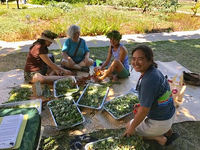 And more lei making (Photo by Katie Romanchuk)
