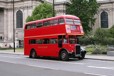 London Bus Company RTW75-KGK575 at St. Pauls
