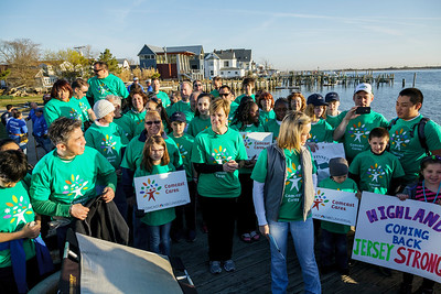 042713_7632_Comcast Cares Highlands