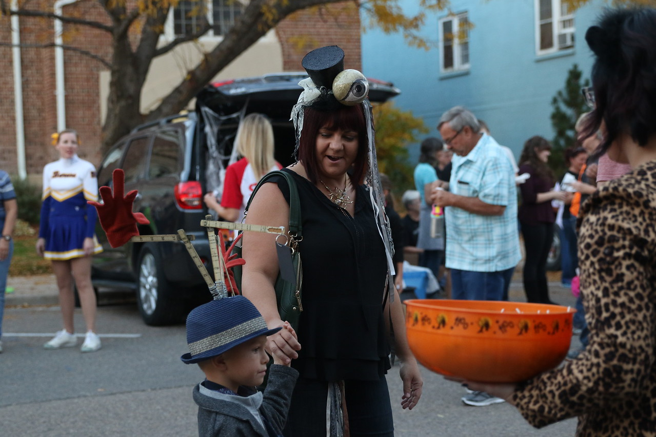 trunk or treat 2016  (108)