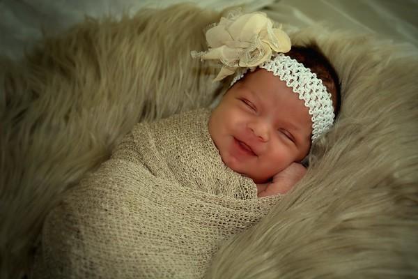 Everleigh newborn