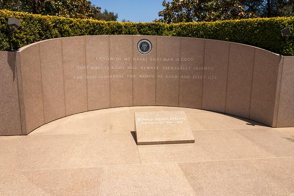 Memorials & Graves