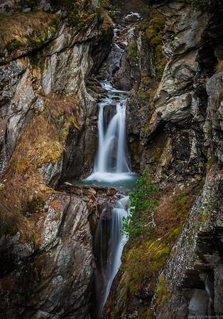 Small waterfall near Tasch