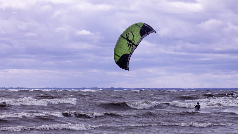 Kitesurfer (happy)