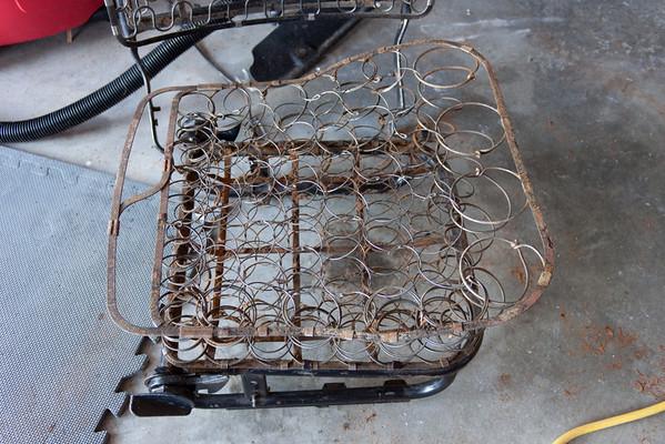 Passenger seat bottom springs