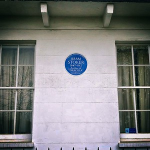 Blue plaque: Bram Stoker