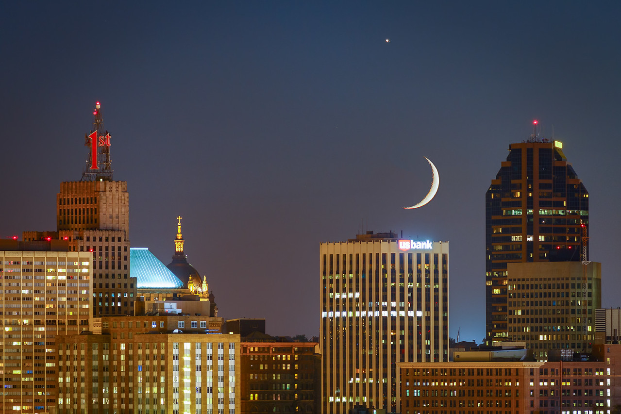 Crescent Over the Capital City