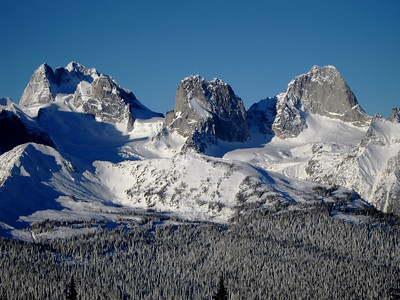Bugaboo_Spires_winter_03