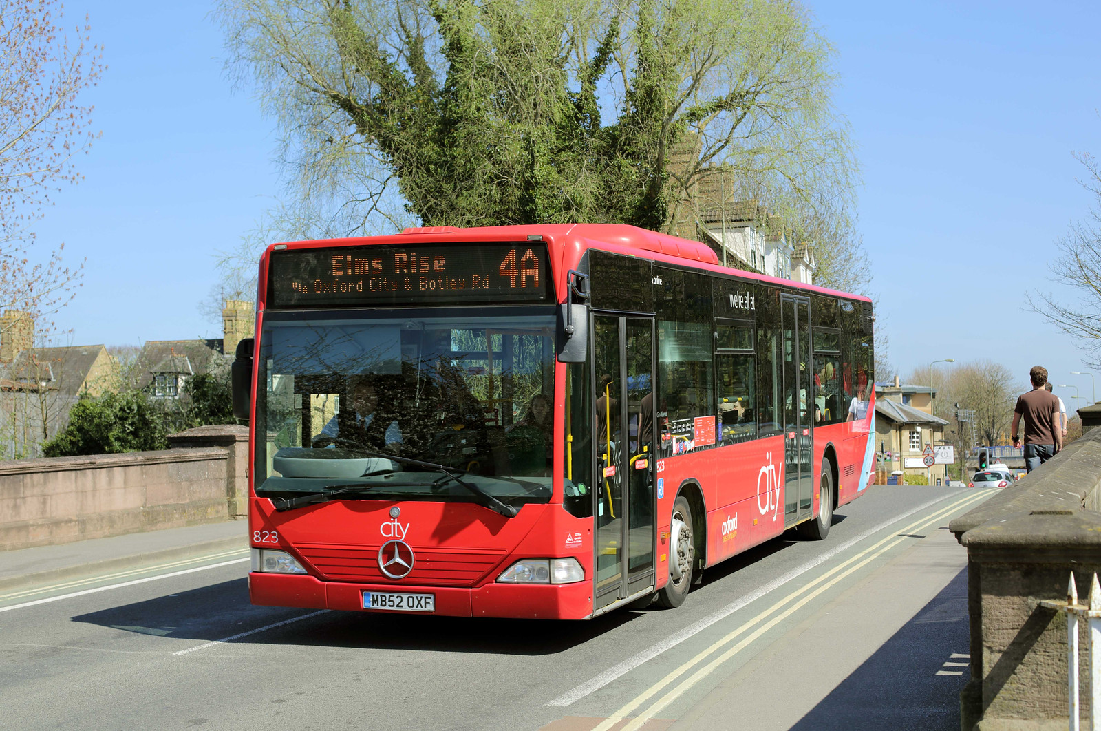 823 MB52OXF, Oxford 14/4/2015