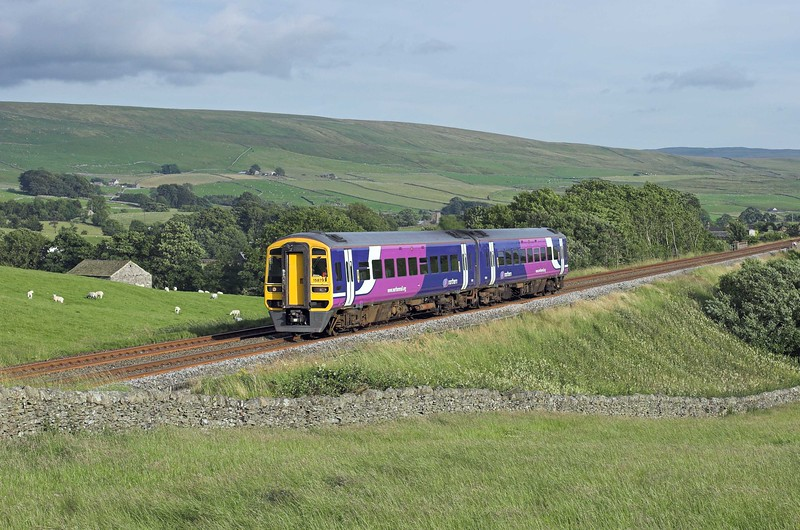 158797 Horton-in-Ribblesdale 21/7/2008<br /> 2H96 1756 Leeds-Carlisle