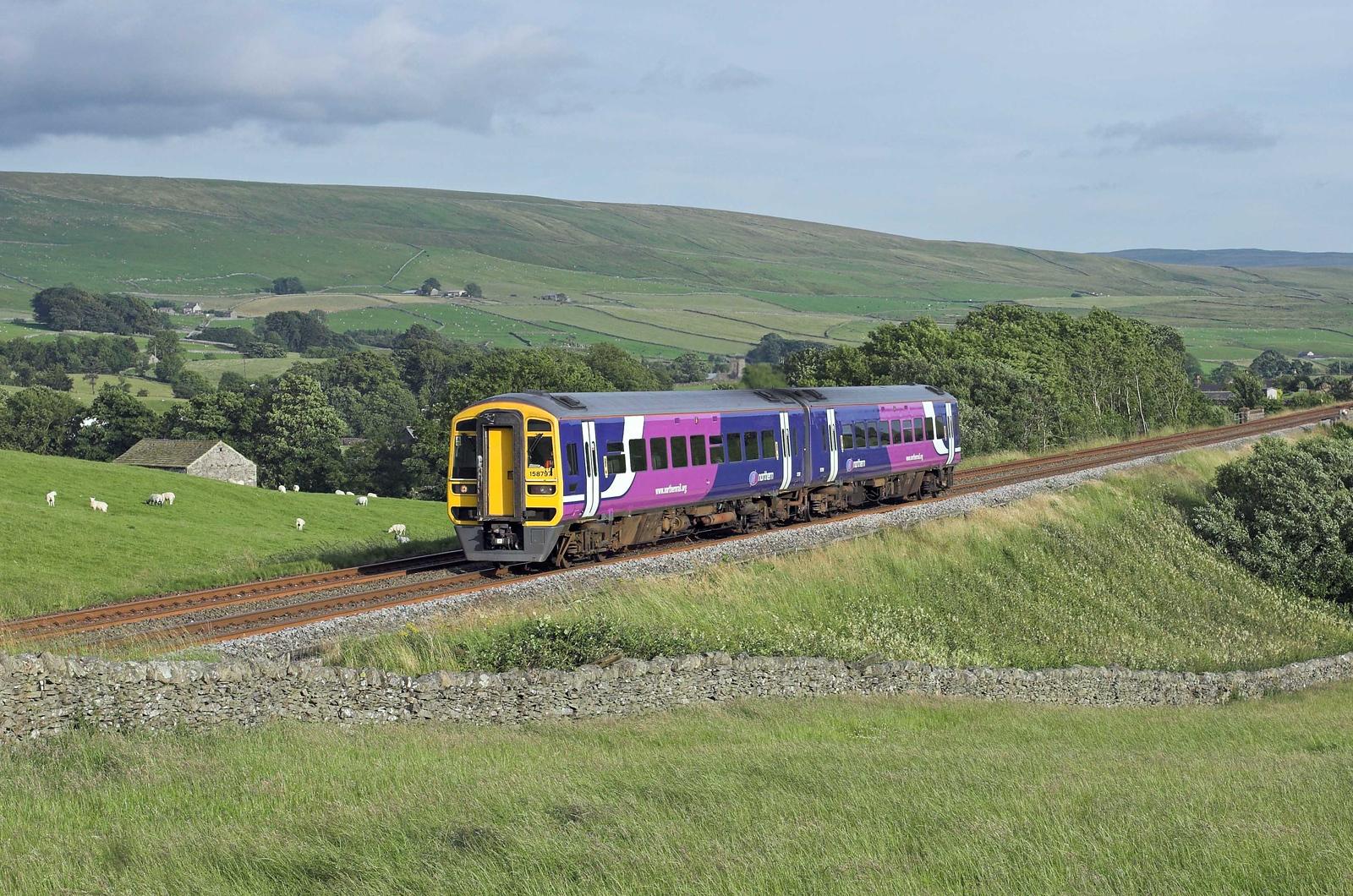 158797 Horton-in-Ribblesdale 21/7/2008<br /> 2H96 1756 Leeds-Carlisle