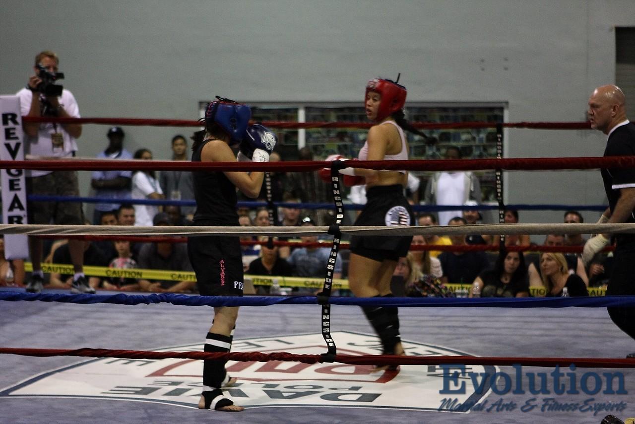 Mariana Kheyfets of American Top Team vs. Christine Alvarez FFA.