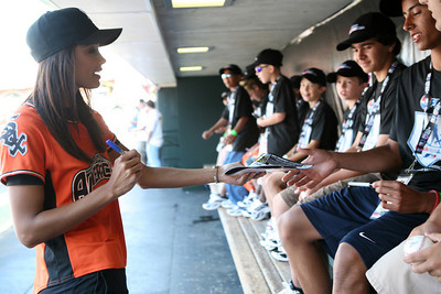 Miss USA Rachael Smith signs autographs and hangs out with kids.