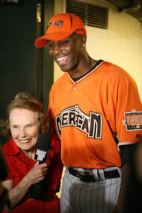 "Marjorie Johnson, the ""Blue Ribbon Baker"" of Robbinsdale, Minnesota, interviews Hunter of the American Leage moments before the Home Run Derby Begins."