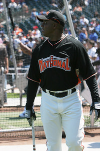Bonds waiting for his turn to take batting practice.