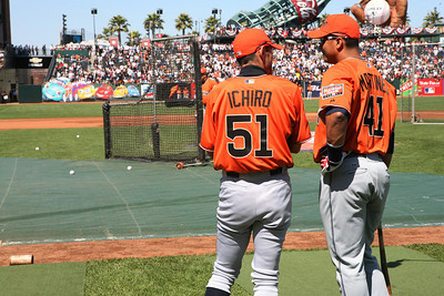 Ichiro & Martinez wait for their turn at batting practice.