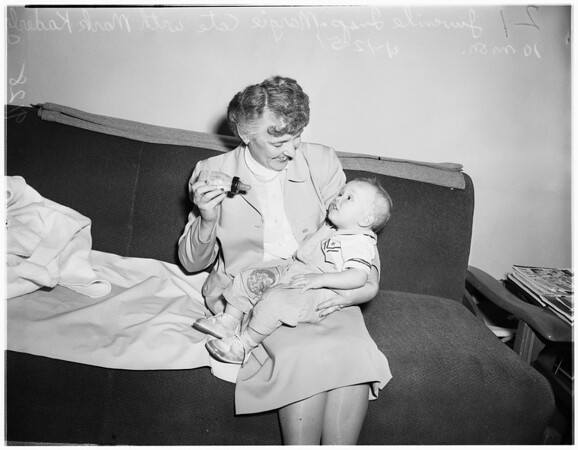 Possible abandoned baby (Long Beach), 1951
