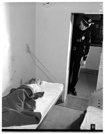 Lost baby in Van Nuys jail, 1951