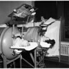 Mother and daughter in iron lungs (General Hospital), 1951