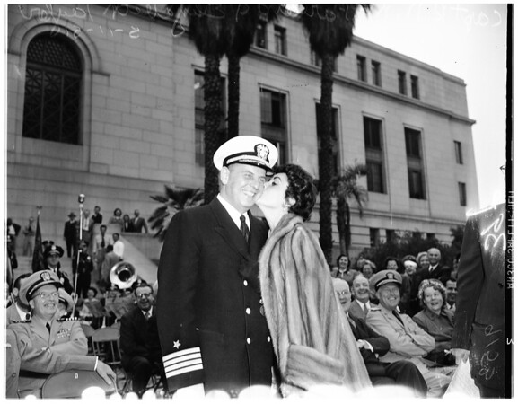 Los Angeles city cruiser gear, 1951