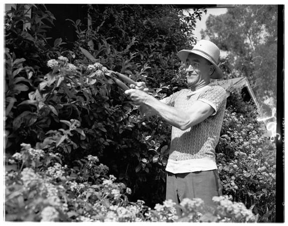 Retiring postman, 1951