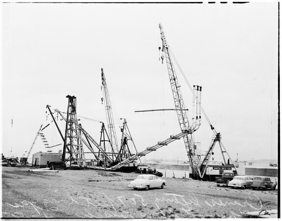 Huge gas pipe (Long Beach Harbor), 1951