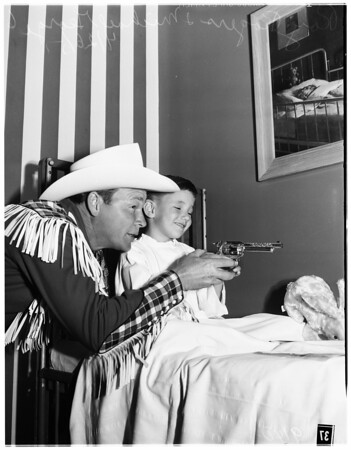 Roy Rogers visits at St. Joseph's Hospital (Burbank), 1951