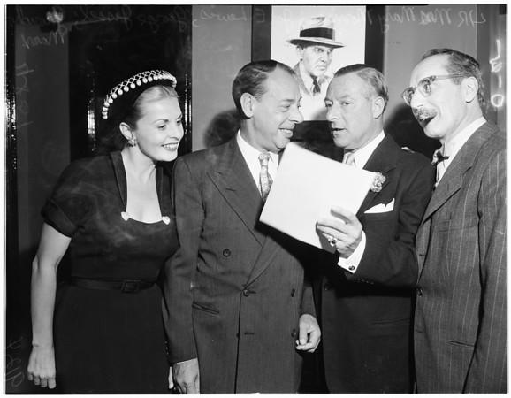 Joe E. Lewis gets award (Mocombo), 1951