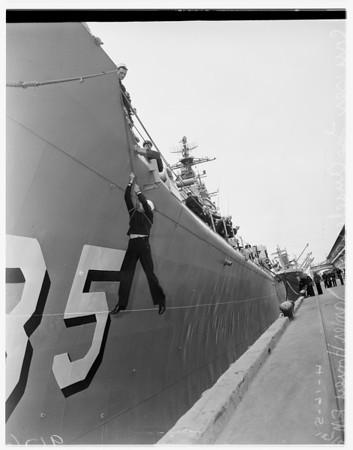 Sailor almost misses boarding Cruiser Los Angeles, 1951