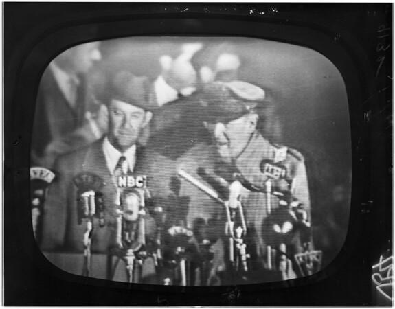 MacArthur arrival in San Francisco (International Airport), 1951