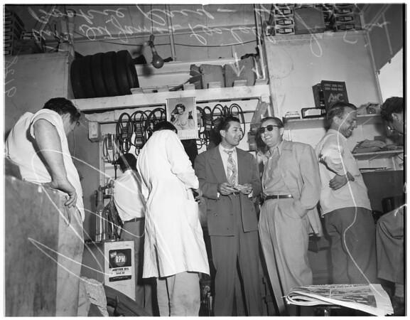 Bookie arrest (1669 North Main Street, Los Angeles), 1951