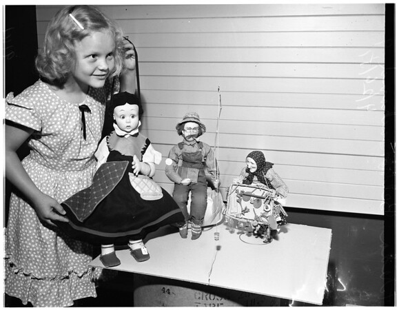 Shirley Temple dolls (Exposition Park), 1951