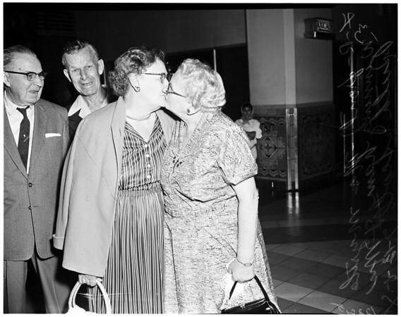 Sisters reunion, 1958