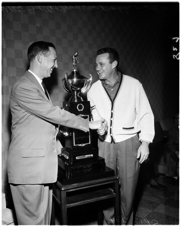 Football - Rams quarterback quits - Governors Trophy, 1958