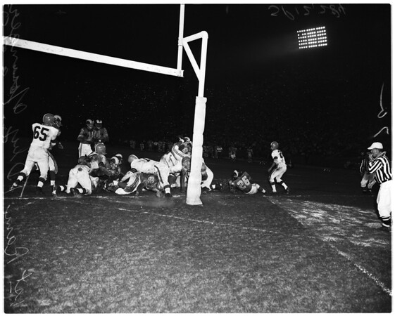 Football -- Los Angeles Rams versus Cleveland Browns, 1957