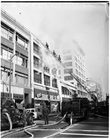Fire at Solnit Shoe company at 817 South Los Angeles Street, 1958