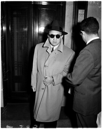 Mickey Cohen jaywalking, 1958