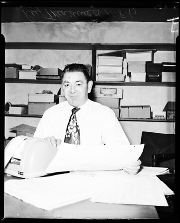 Hawthorne shoe store owner hires disabled vet, 1957