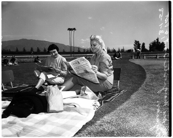Horses -- race -- Santa Anita (candids), 1958