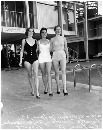 """Miss Winter"" contest in Long Beach, 1958"