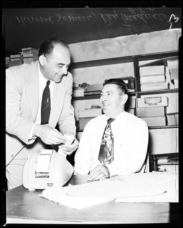 Hawthorne shoe store owner hires disabled vet, 1957