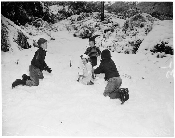 Show pictures (Mount Baldy), 1952