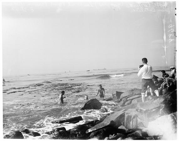 Channel swimmer -- Cortinas, 1952