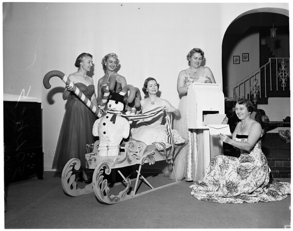 Spastic Children's League of Los Angeles Candy Cane ball, 1952