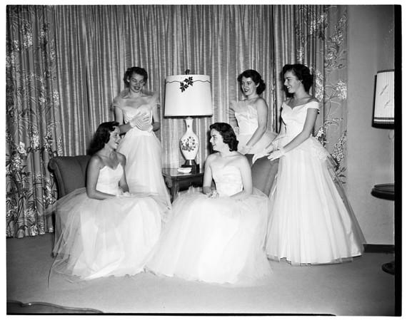 Las Duenas Debutants, 1954