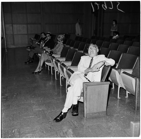 Mickey Rooney in court, 1961