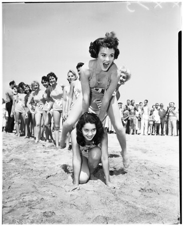 General shot of contestants, 1958