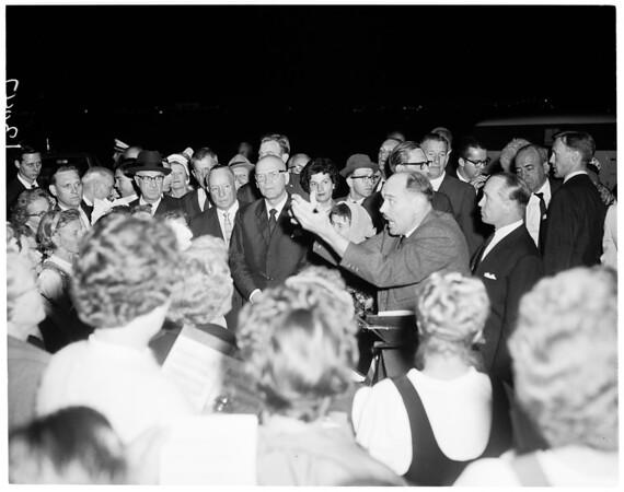 Finn President arrival, 1961