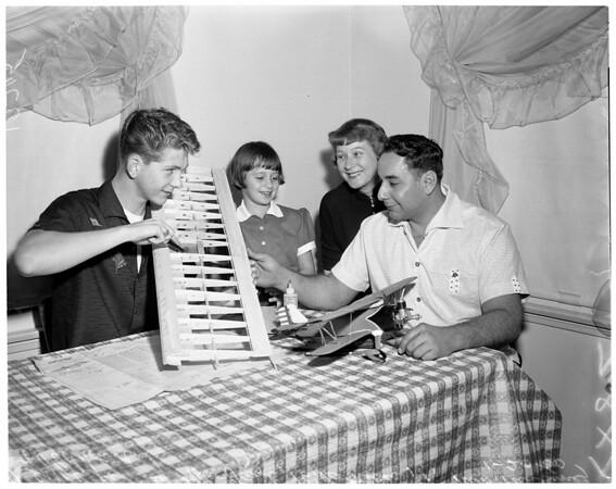 Reyes family building models, 1960