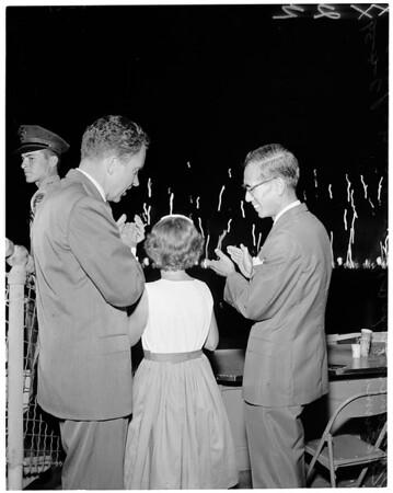 Nixon at Coliseum fireworks, 1959